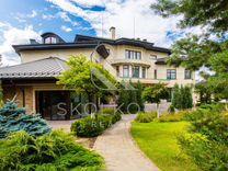 Дом 1650 м² на участке 40 сот.