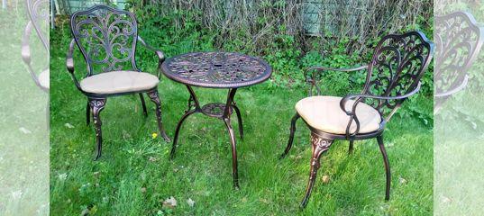 литая мебель набор стол и два кресла 1