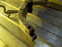 Петля крышки багажника Рено Логан 2